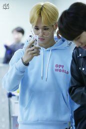 jacket,kpop,hoodie,round glasses,phone cover,off world,light blue hoodie