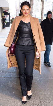 blouse,leather,leather top,pumps,pants,katie holmes,coat,streetstyle,fall outfits,bag