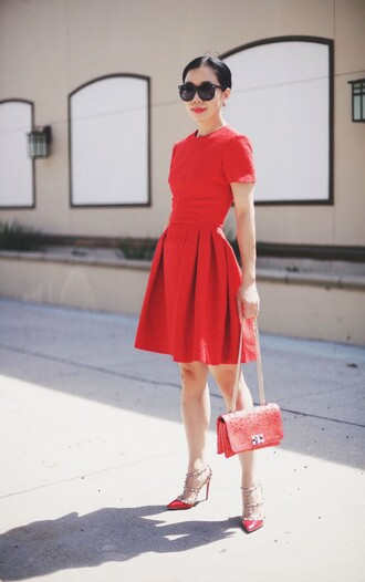 hallie daily blogger dress sunglasses bag shoes