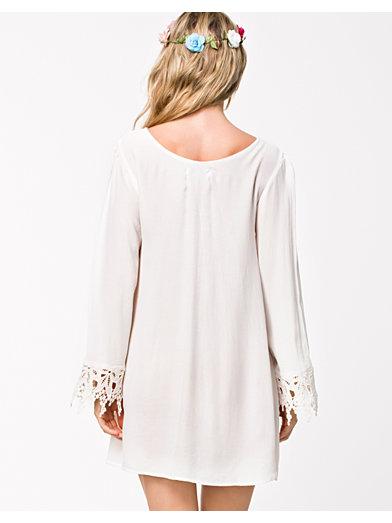 Crochet Detail Shift Dress - Glamorous - Vit - Festklänningar - Kläder - Kvinna - Nelly.com
