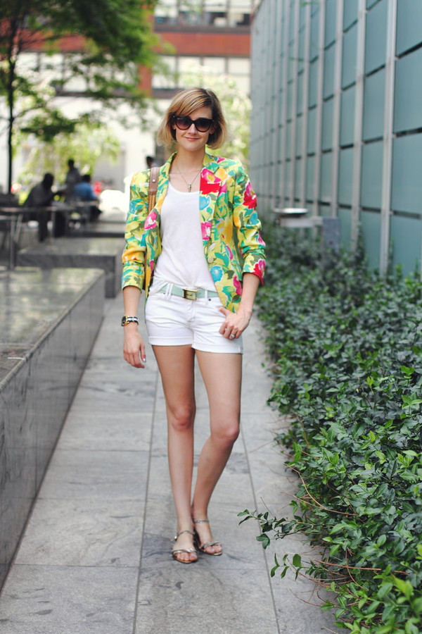 district of chic sunglasses jewels t-shirt jacket belt shoes bag shorts