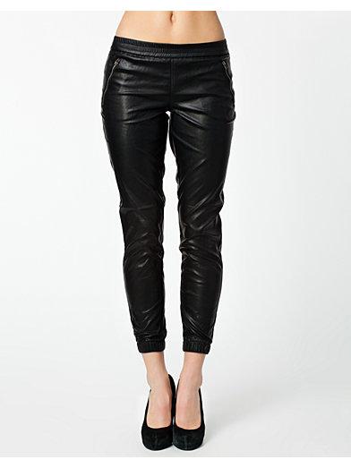 Arco Pu Ankle Pants - Only - Svart - Bukser & Shorts - Klær - Kvinne - Nelly.com