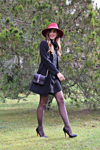 cosamimetto blogger dress bag shoes jewels hat felt hat winter outfits fall outfits pumps