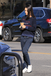 sweater,navy,sweatshirt,mila kunis,celebrity,jeans,streetstyle,fall outfits,casual