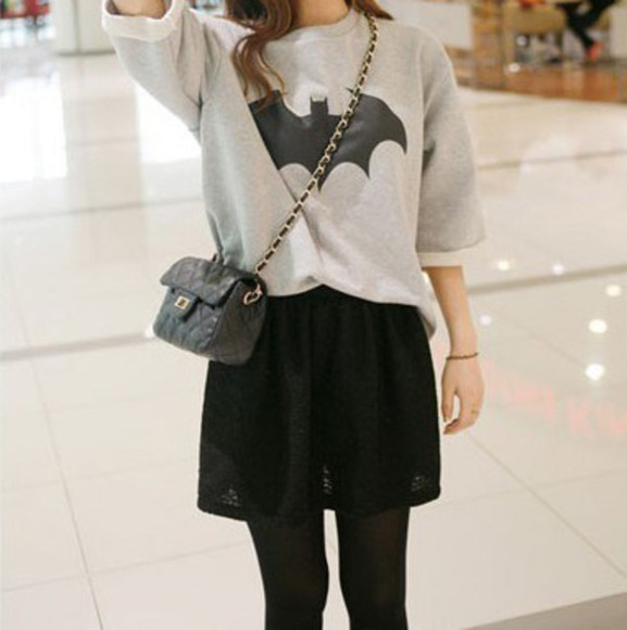 skirt tights black shirt grey printed shirt bag black tights t-shirt