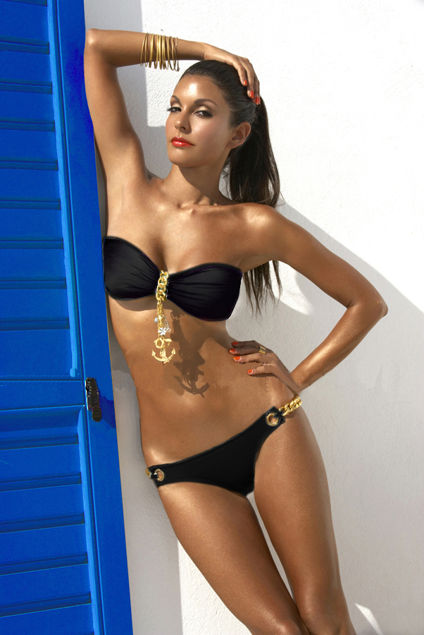 Deja Boutique. Bo black chain charm bikini