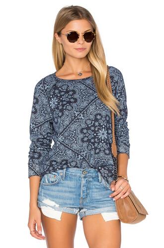 sweatshirt pattern navy