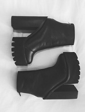 shoes,high heels,boots,black,dope,black booties,platform shoes,platform heels,black shoes,jeffrey campbell,lookalike,ankle boots,chunky,chunky heel,platform chunky boot,platform high heels,elastic boot,chunky heels,black platform heels,noir,compensed,chaussures ? talons,heels,booties,bottines,h&m,chunky sole,black platform boots,heel boots