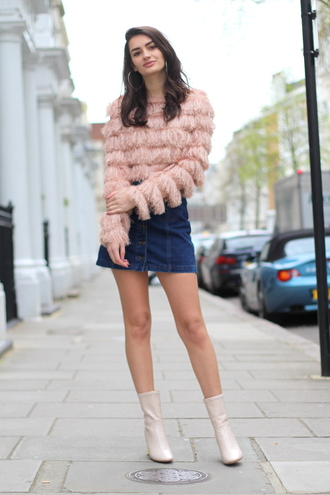 peexo blogger sweater skirt shoes