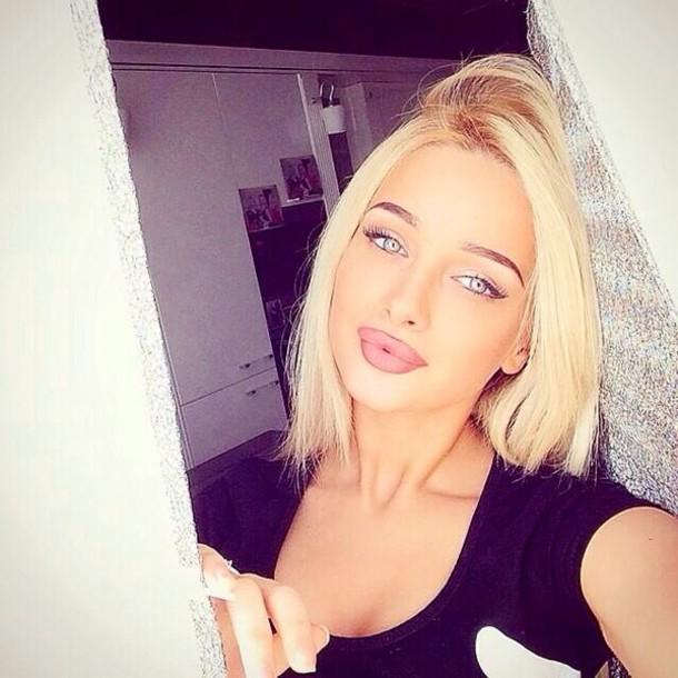 Make Up Lipstick Matte Lipstick Lips Blonde Hair