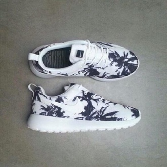 shoes nike black and white nike running shoes nike shoes nike shoes womens roshe runs nike shoes for women nike roshe run running shoes roshe runs nike roshes roshe runs nike palm tree floral nike roshe shoes