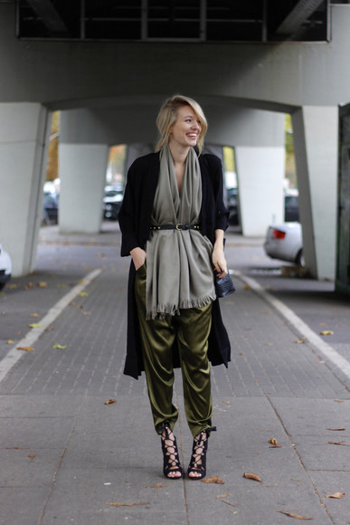 Belt blogger fall outfits ohh couture jacket top scarf bag peep toe boots khaki