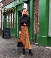 skirt,midi skirt,leopard print,heel boots,black bag,topshop,black turtleneck top,beret