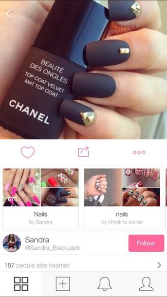 nail polish black nail polish matt black nailpolish matt nailpolish black nailpolish chanel chane nailpolish make-up black party make up