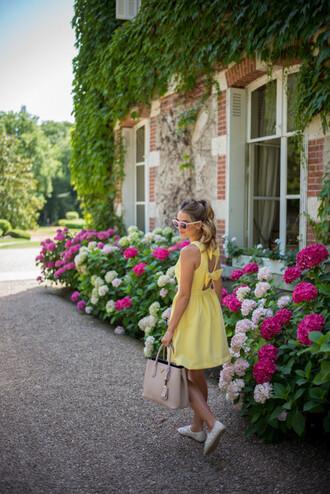 gal meets glam blogger dress lemongrass yellow dress bow dress summer dress
