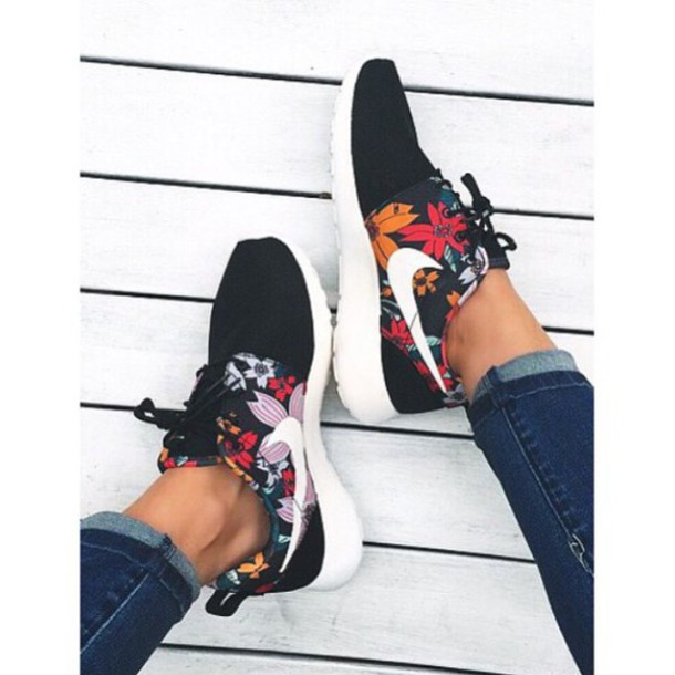 super popular 09bb3 dfe63 shoes black roshe runs tropical cute sneakers nike running shoes nike shoes  nike floral nikes style