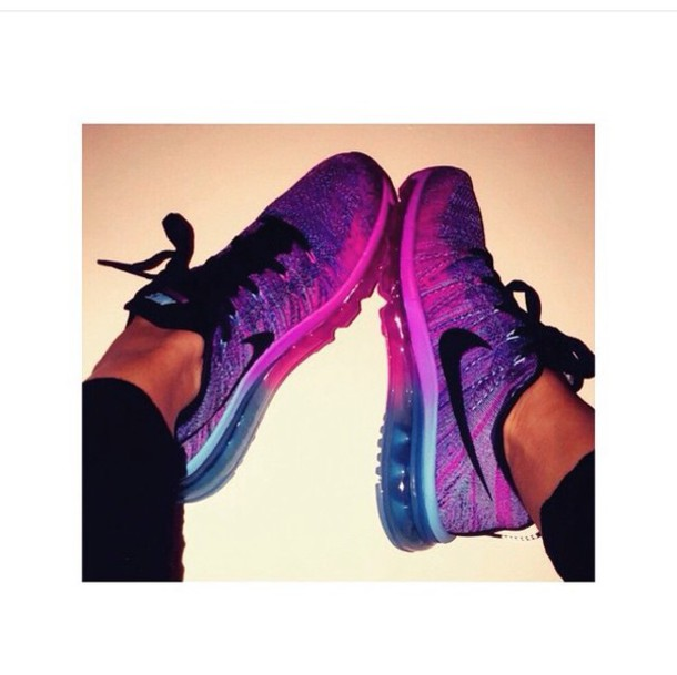 nike coloured trainers