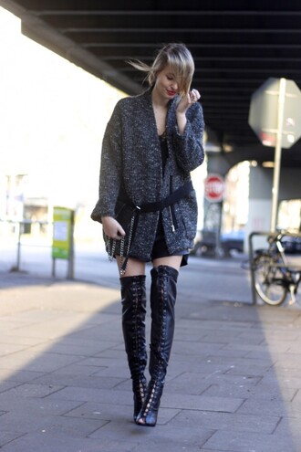 ohh couture blogger shoes cardigan top bag shorts belt