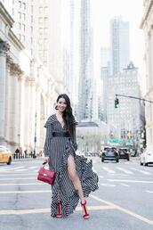 wendy's,lookbook,blogger,dress,shoes,bag,jewels,belt,striped dress,sandals,spring outfits