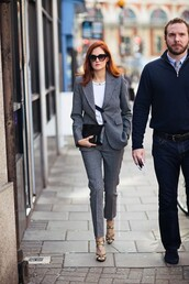 pants,power suit,cropped pants,womens suit,grey pants,top,white top,grey top,blazer,grey blazer,clutch,black clutch,sunglasses,black sunglasses,sandals,sandal heels,high heel sandals,shoes,streetstyle,fall outfits,office outfits,business casual,two piece pantsuits,matching set