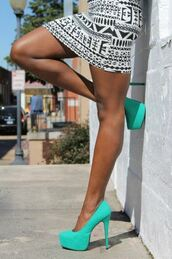 shoes,pumps,turquoise,skirt,glitter,sparkle,mint,high heels,green,pastel