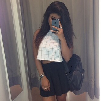 modern top checkered crop urban girly kylie jenner skirt white crop tops black skirt bag shirt white t-shirt
