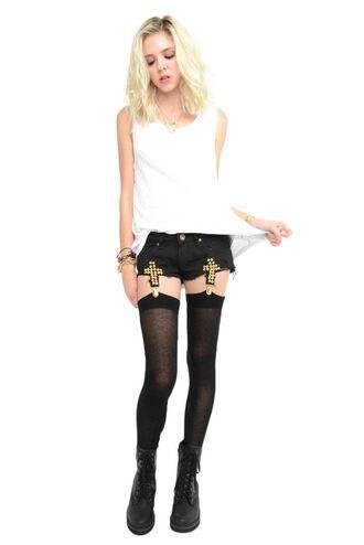 shorts cross garter shoes