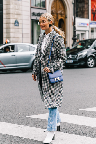 coat tumblr streetstyle gingham printed coat denim jeans blue jeans boots white boots glasses bag blue bag