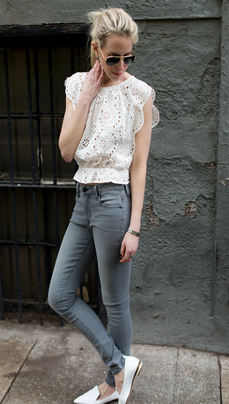 yael steren blogger jeans shoes sunglasses jewels grey jeans white top lace top aviator sunglasses white shoes