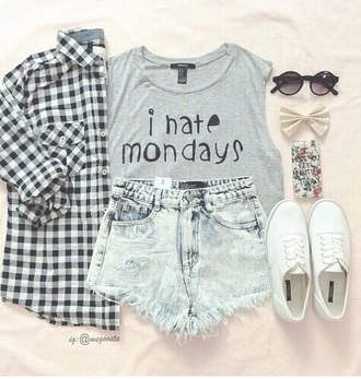 shorts jeans ripped denim summer fashion acid wash shirt hair accessory shoes glasses short t-shirt
