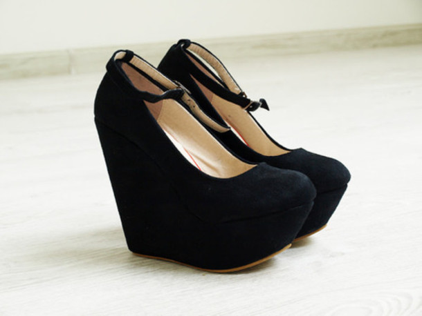 Black Shoes With Wedge Heel