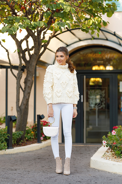 sweater tumblr white sweater knit knitwear knitted sweater jeans denim white jeans boots nude boots all white everything bag