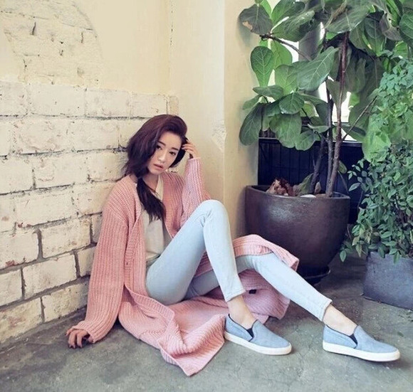 sweatpants jeans sweater fashion sexy-sweaters pants denim beauty fashion shopping vintage cardigan pastel
