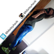 jeans,nike shoes,green sneakers,sneakers,lime gree,lime,bright,bright green,neon green,blue jeans,bright blue jeans,bright blue,rayban,that girl,girl from twitter,girl from instagram