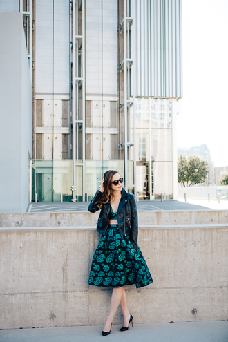 side smile style blogger two-piece midi skirt floral skirt bralette leather jacket