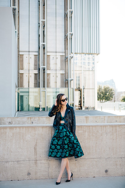 side smile style blogger two-piece midi skirt floral skirt bralette leather jacket floral midi skirt midi floral skirt