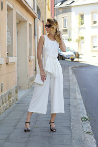 from brussels with love blogger jumpsuit bag shoes jewels jumper white jumpsuit white bag black sandals culottes