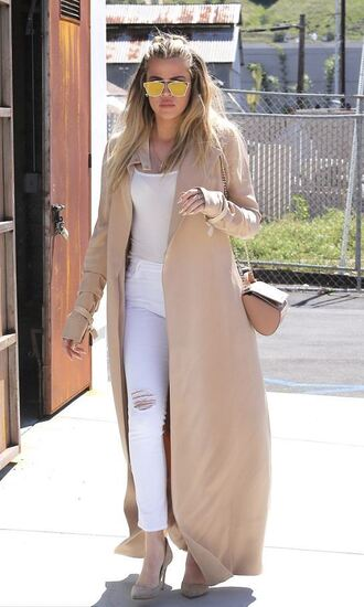 jeans khloe kardashian coat spring spring outfits sunglasses top purse kardashians pumps bag