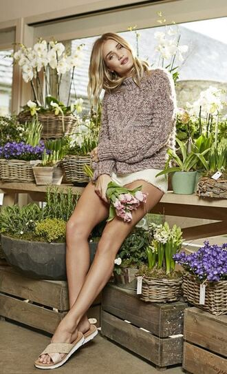 shoes sandals sweater slide shoes flats rosie huntington-whiteley shorts