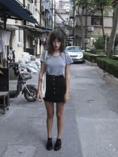 skirt,jeanne damas,fashionista,mini skirt,black skirt,button up skirt,t-shirt,grey t-shirt,shoes,black shoes,bag,white bag