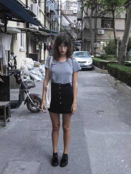 skirt jeanne damas fashionista mini skirt black skirt button up skirt t-shirt grey t-shirt shoes black shoes bag white bag