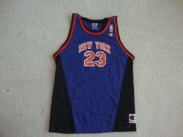 Vintage NBA New York Knicks MARCUS CAMBY Champion Brand RARE Jersey YOUTH XL