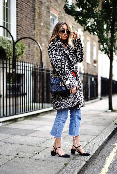 coat tumblr leopard print leopard print coat denim jeans blue jeans shoes black shoes sunglasses