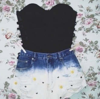 shorts black strapless top shirt summer summer outfits summer top summer shorts spring spring outfits spring break spring 2016 summer 2016 spring summer fashion flowers flowered shorts tumblr weheartit strapless top