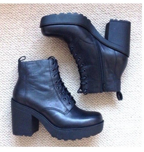 shoes high heels little black dress black high heels grunge pale clothes clothes vintage boots