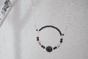 collier manille noir argenté de Nayades