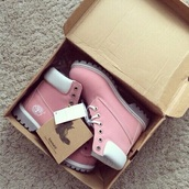 shoes,girl,timberland boots,pink,white,pastel goth,grunge,boots,pastel,pink shoes,hipster,grunge shoes,light pink,style,winter outfits,timberlands boots,timberland,rose,mint,timberlands