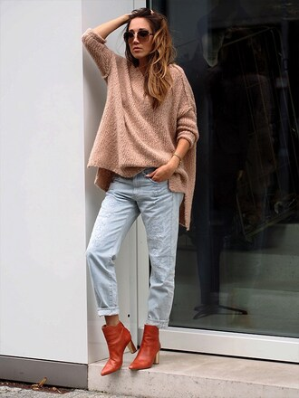 nina @ www.helloshopping.de - it's a blog. blogger sweater jeans shoes