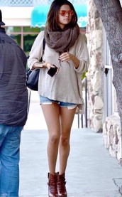 shirt,selena gomez,scarf,sunglasses
