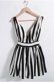 Neckline sleeveless dress